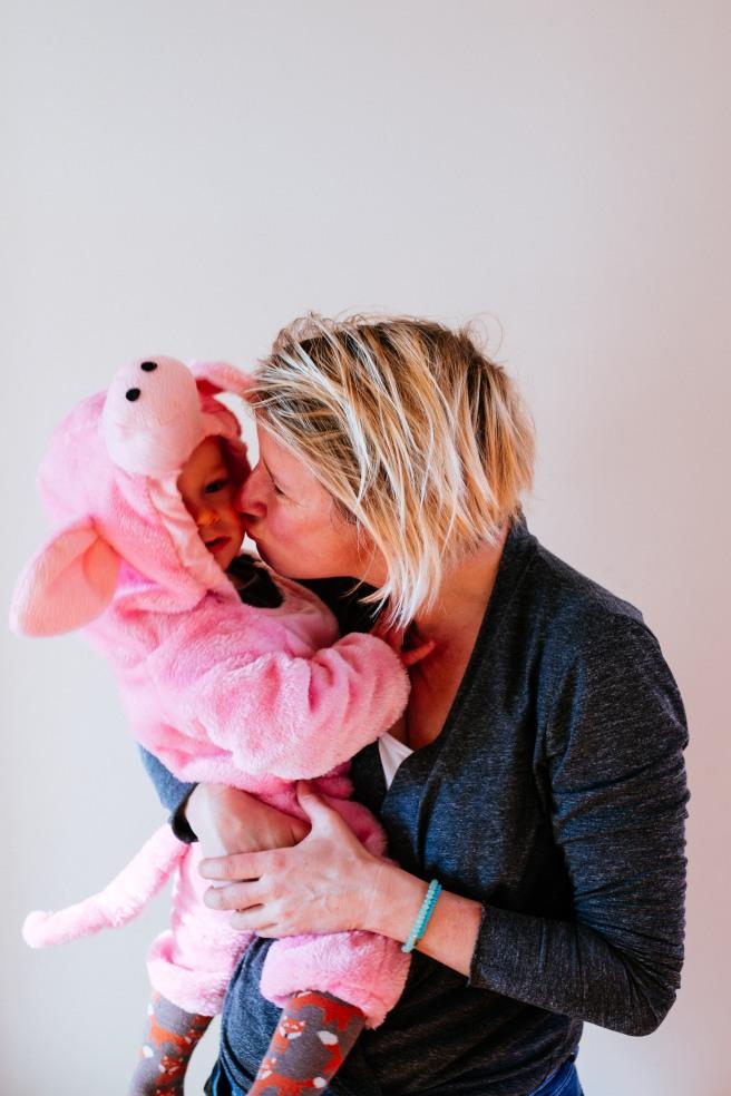 Kusje geven aan baby