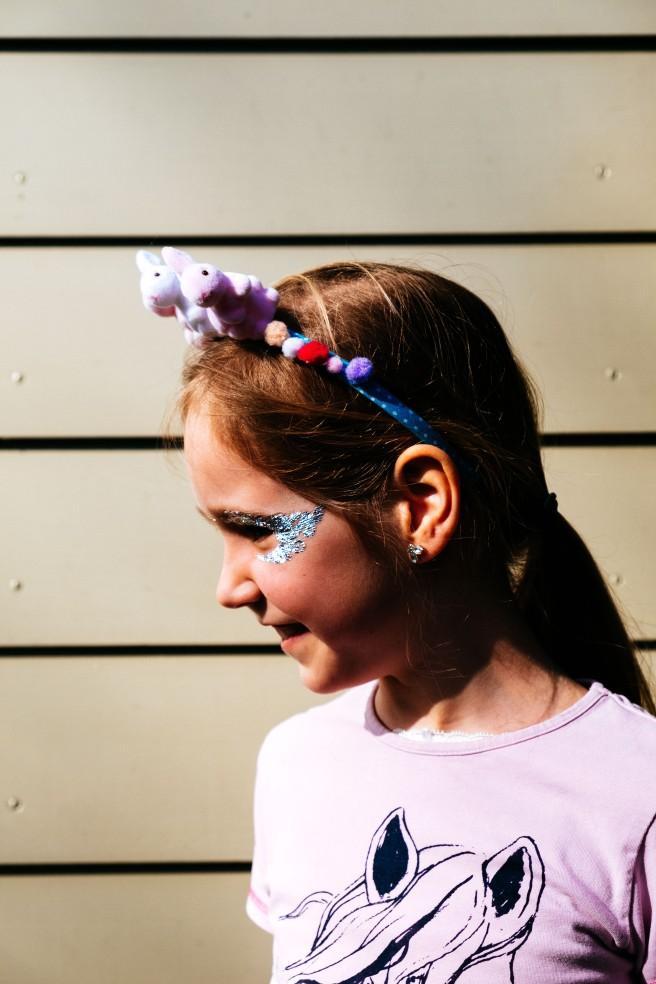 Meisje met haarband